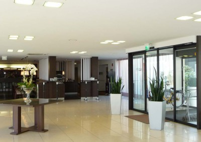 Park Inn by Radisson Bielefeld  Entrance 1600x750