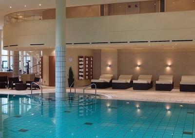 Sheraton_Grand_Hotel_Berlin_Esplanade_Schwimmbad