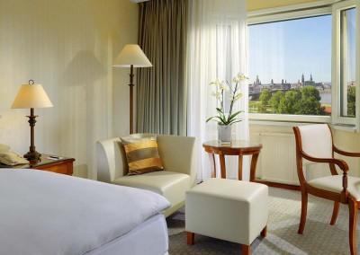 The Westin Bellevue Dresden Deluxe Zimmer 1600x750