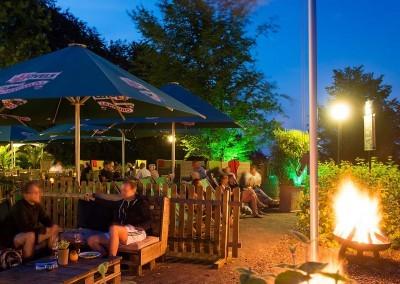 Park Inn by Radisson Bielefeld Terrasse Nacht 1600x750
